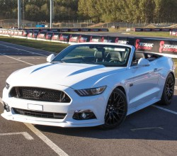 Ford Mustang GT V8 Convertible Pista South Milano Ottobiano